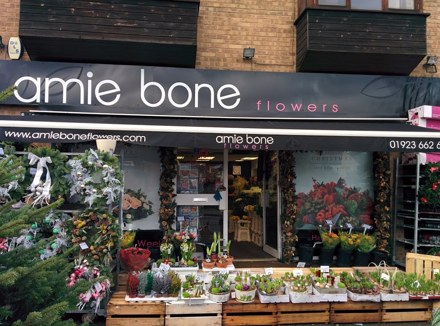 Amie Bone Flowers
