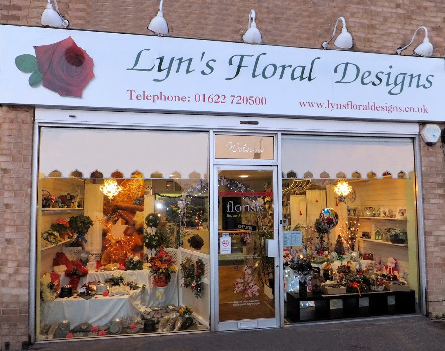 Lyn's Floral Designs